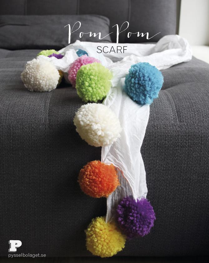 Pom Pom scarf PB okt 2014 1