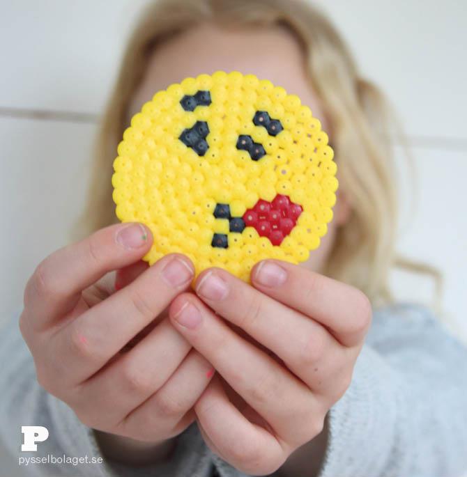 Emoji bead coasters 4