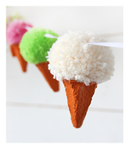 http://media.pysselbolaget.se/2016/01/Pom-Pom-Icecream-Garland.jpg