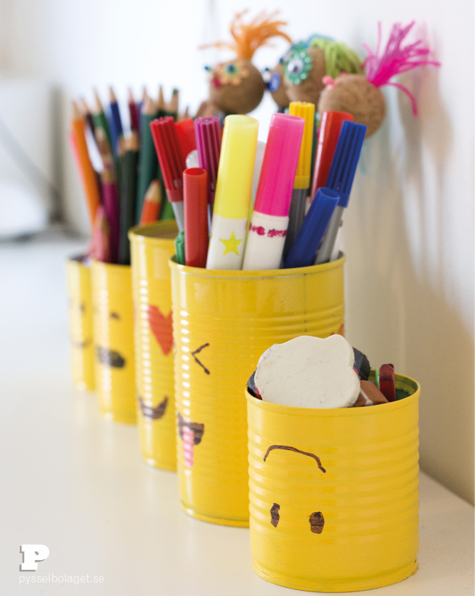 Emoji pencil holder 4