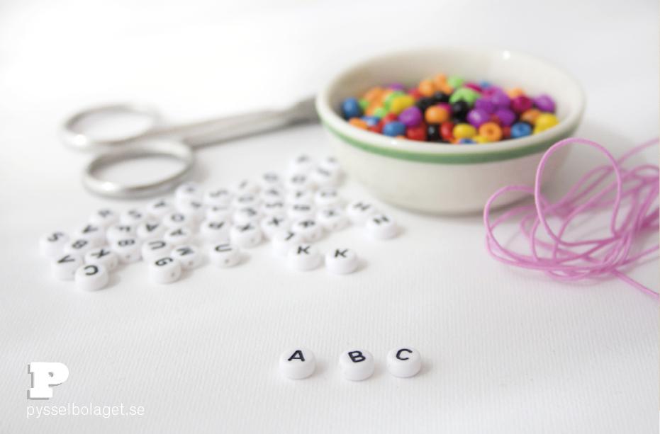 bracelets-w-letters-2
