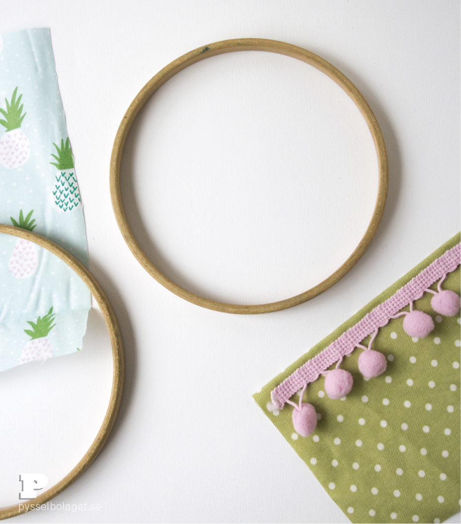 embroidery-hoop-storage-4