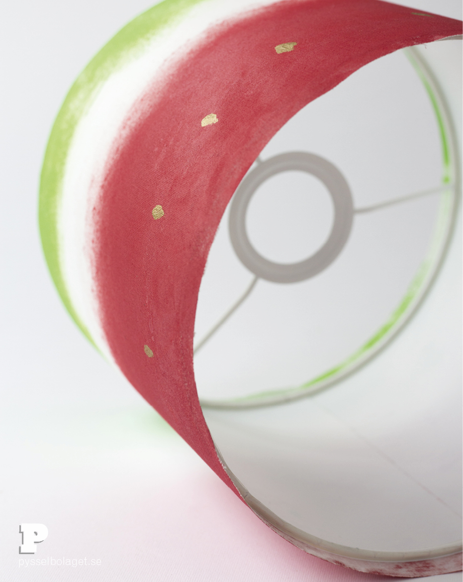 Make a Watermelon Lampshade by Pysselbolaget.se