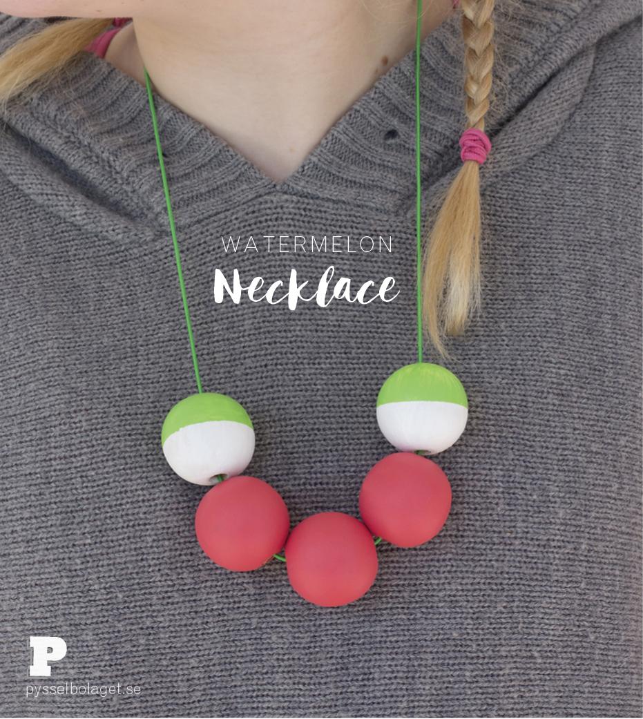 Gör ett vattenmelonhalsband / Make a Watermelon Necklace by Pysselbolaget
