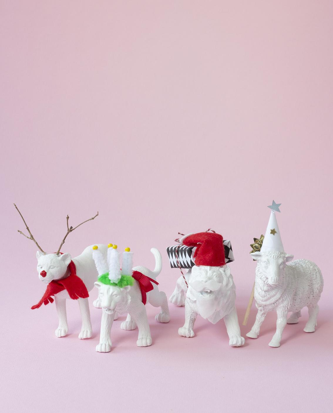 Gör juldekorationer av gamla leksaker