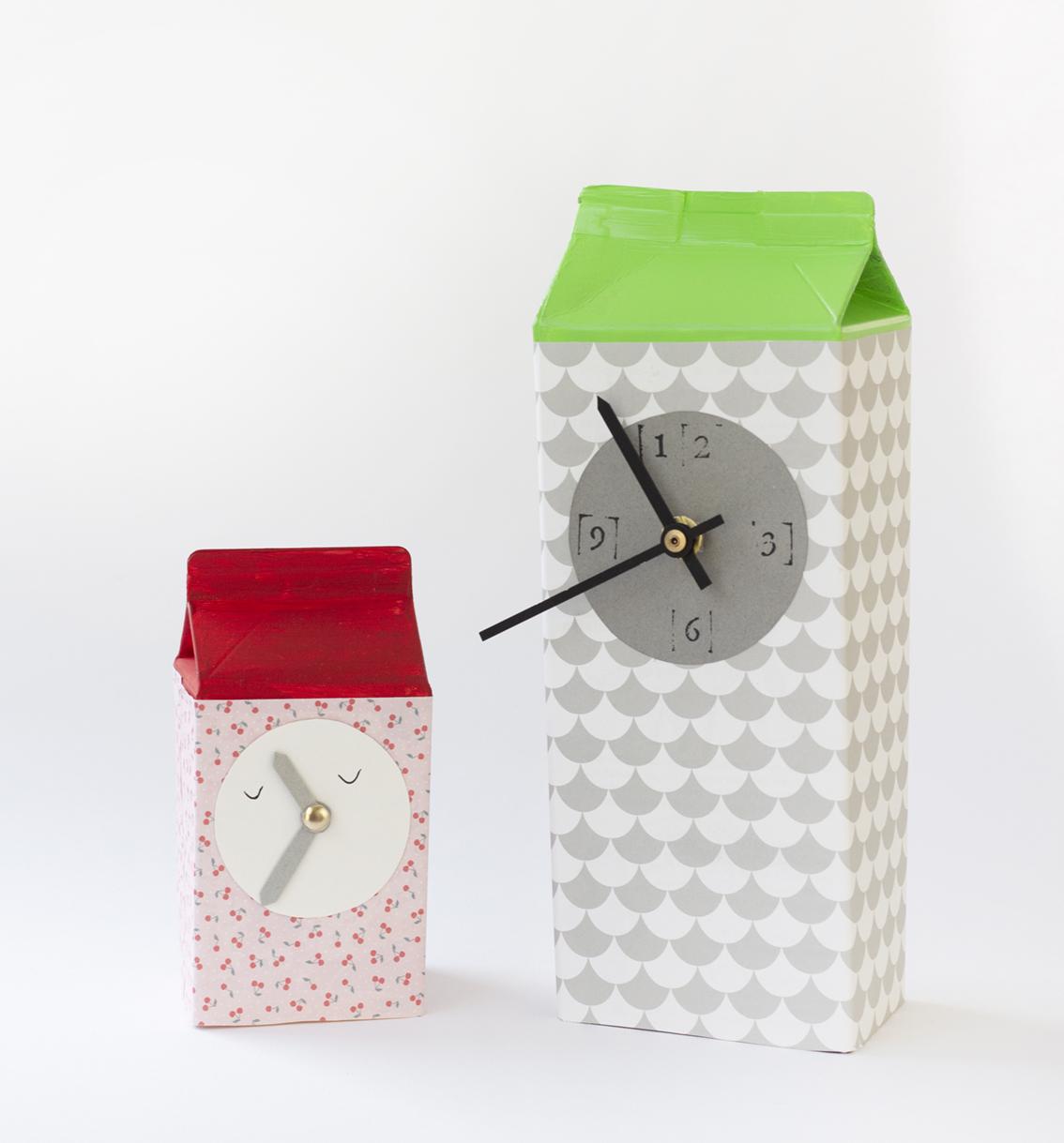 Pyssla ett klocktorn av tetraförpackingar