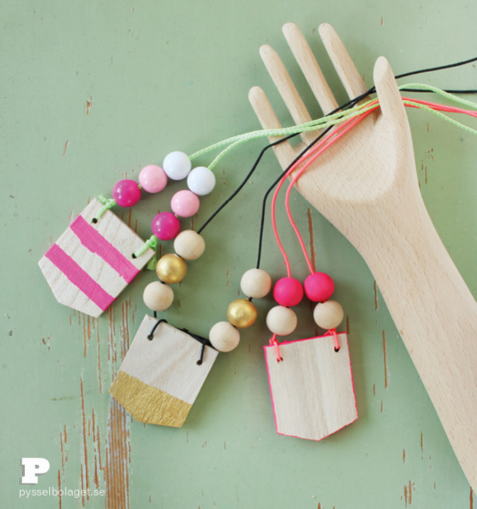 Wooden necklace7