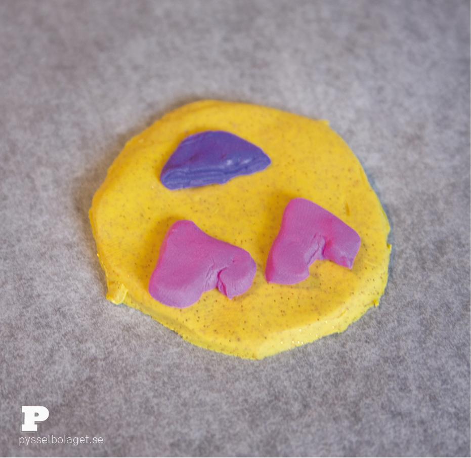 Clay emoji